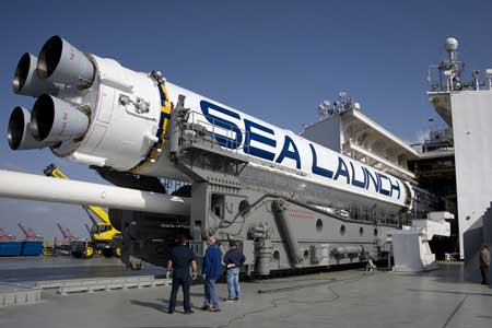Verladung Rakete in Long Beach; Credit: Sea Launch