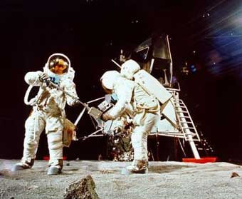22.4.1967: Armstrong und Aldrin trainieren in Houston für die Mondlandung